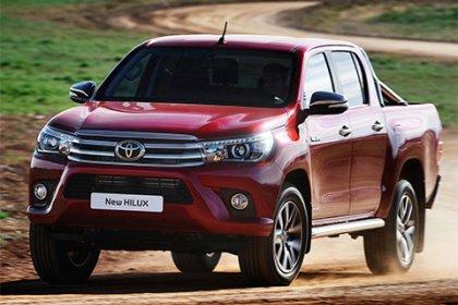 Toyota Hilux Double Cab 2.4 D-4D automat 110kw 4x4 Executive DC
